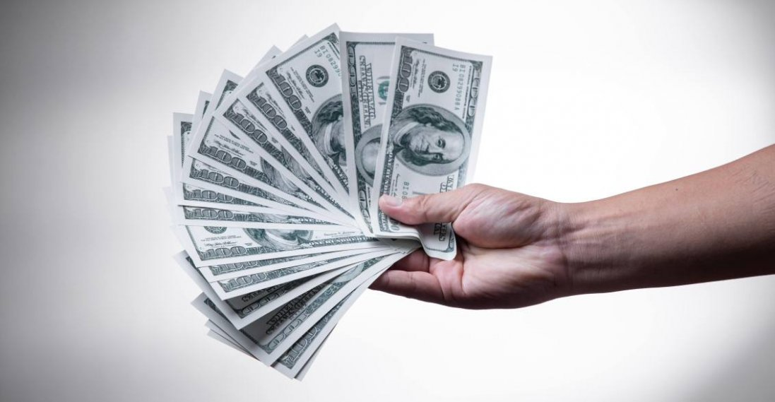 Як повернути гроші у ваше життя