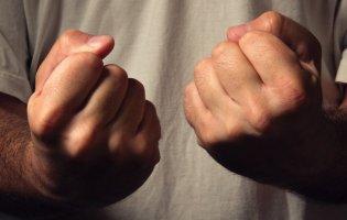 Ногою в голову: в Одесі водій маршрутки побив пасажира