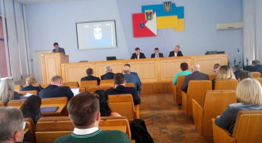 Без палких дискусій та продуктивно: відбулася V сесія Луцької районної ради