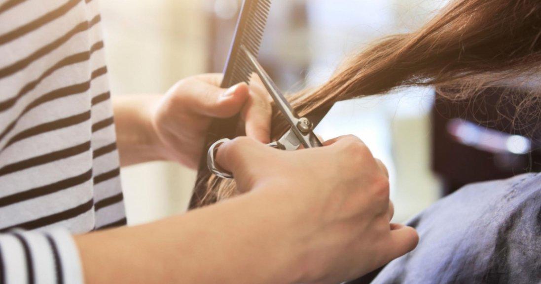 Перукарі назвали трендові зачіски 2021 року
