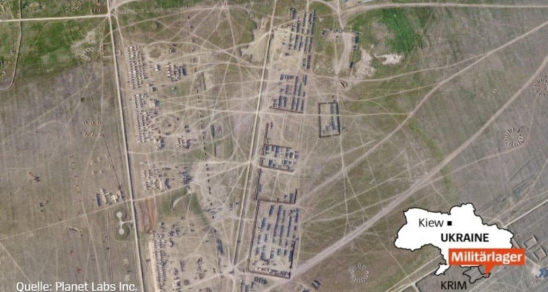 У Криму бойовики побудували військовий табір