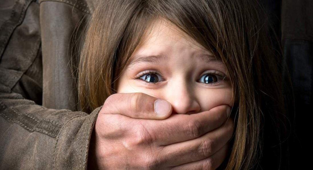 На Луганщині чоловік зґвалтував дитину: вона в лікарні