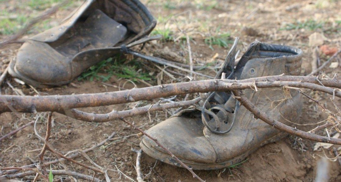 Дешевий і ефективний спосіб покращити вигляд старого чорного взуття