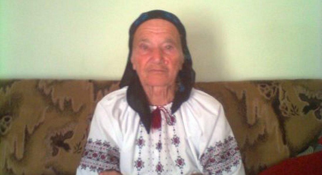 У 91 рік кожного дня ходить до храму, смакує кавою і хоче купити порося