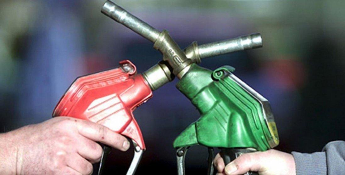 Від 1,25 карбованця до 30 гривень: скільки коштував бензин в Україні в 90-х і сьогодні