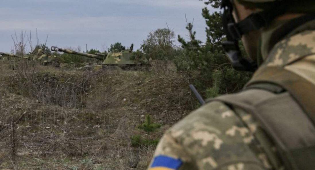 На Донбасі окупанти обстріляли авто спостережної групи