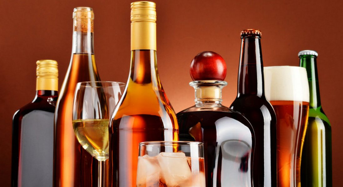 Кабмін планує різко підняти ціни на алкоголь