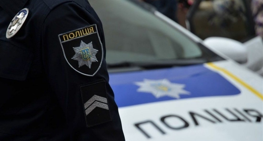 У Києві затримали поліцейського, який вкрав гроші в постраждалого в ДТП
