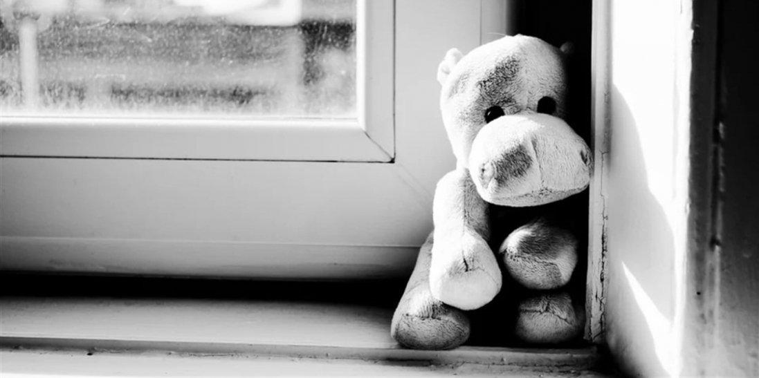 У Львові дворічна дитина випала з вікна: підозрюють матір