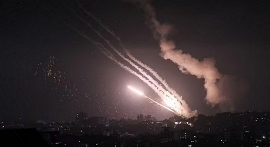 ХАМАС усю ніч обстрілював Ізраїль: запустили понад 350 ракет