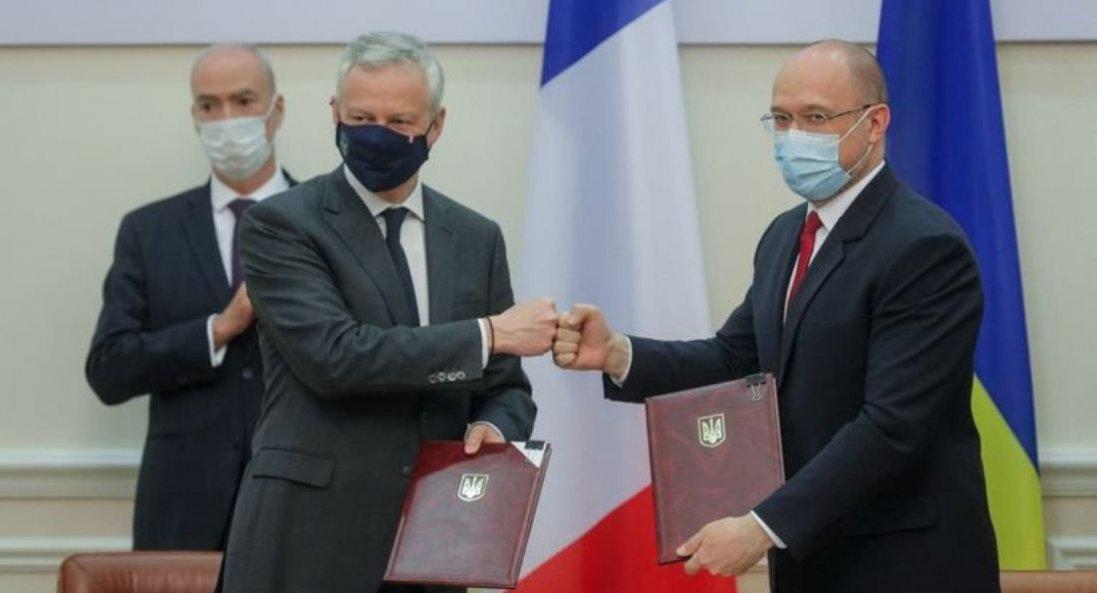 Україна та Франція підписали угоди на €1,3 млрд