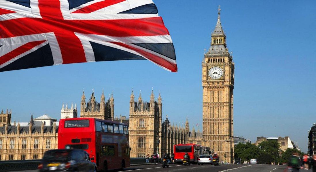 Британія послабила карантин: що тепер дозволено?