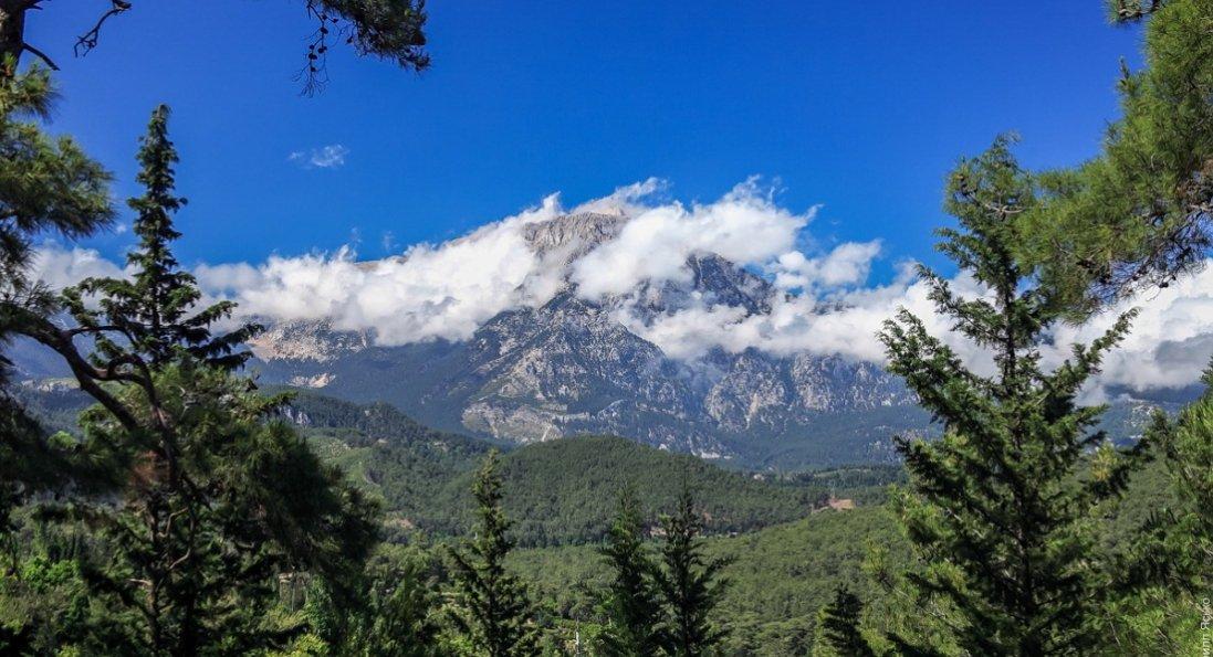 У Туреччині шукають зниклу в горах українку