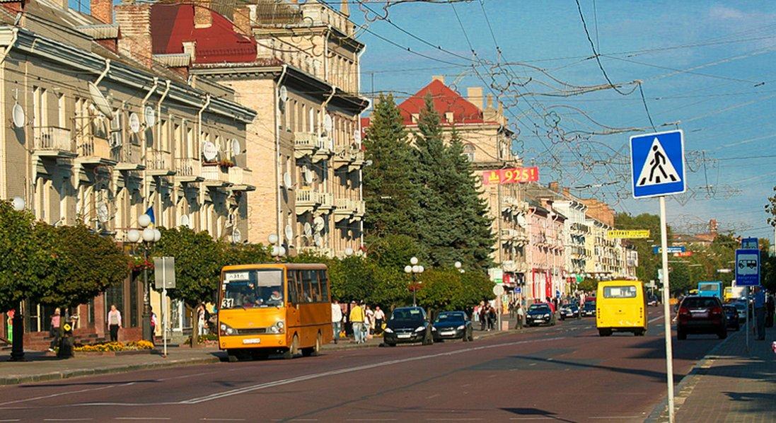 У Луцьку перекрито рух транспорту проспектом Волі