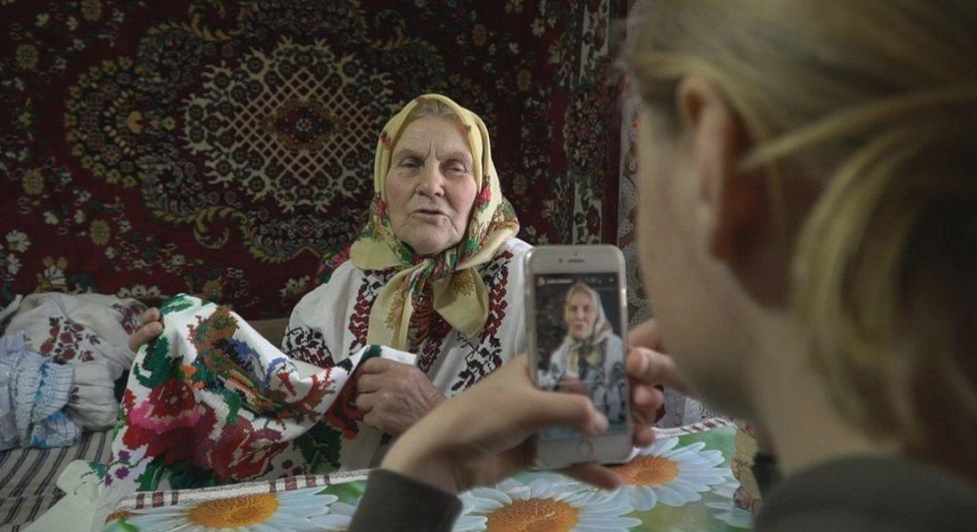 У 81 рік українська пенсіонерка стала зіркою інтернету