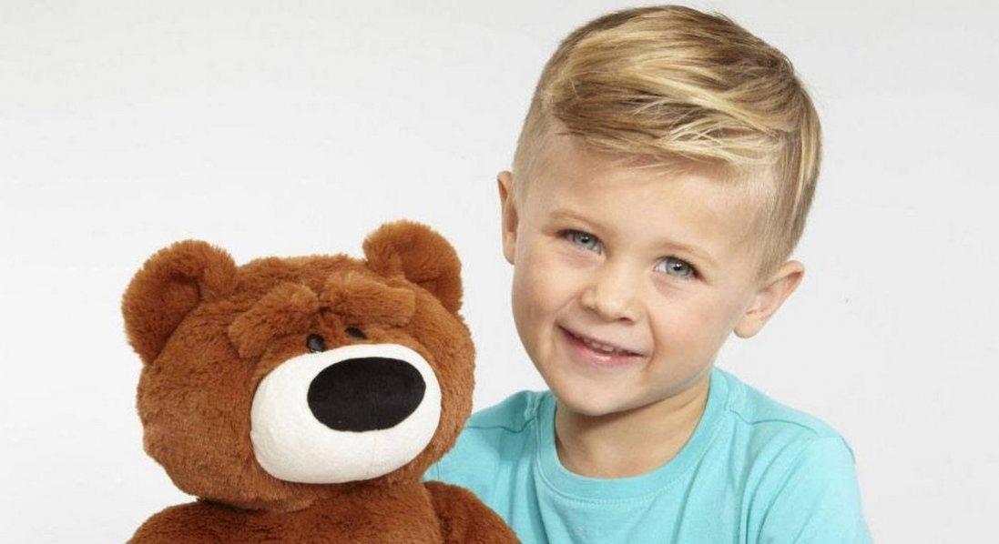 Гроші на мрію хлопчик зберігає у вухах старого ведмедя
