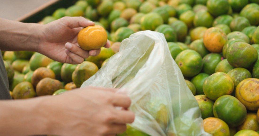 Як просто відмовитися від пакетів у супермаркетах: експеримент