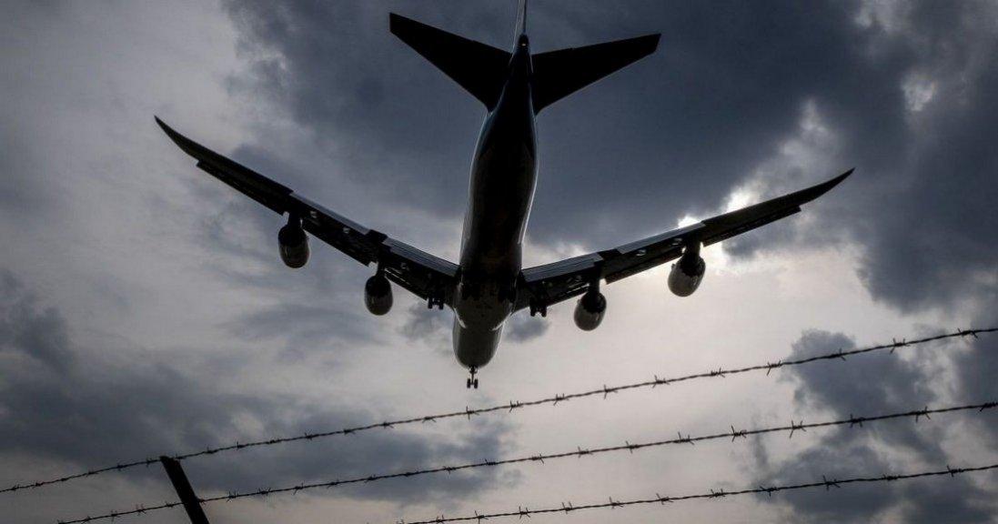 ФСБ затримала екскерівника «Відкритої Росії». Для цього зупинили міжнародний рейс