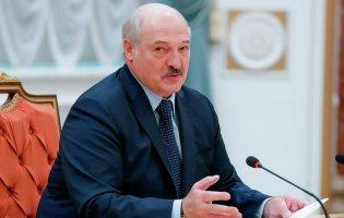 Лукашенко хоче відкрити авіарейси в Крим