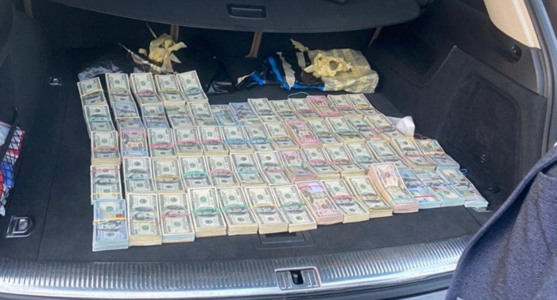 На Волинській митниці масштабні обшуки: вилучили $700 тисяч