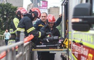 У Києві чоловіка затисло між вагоном потяга та платформою: він помер