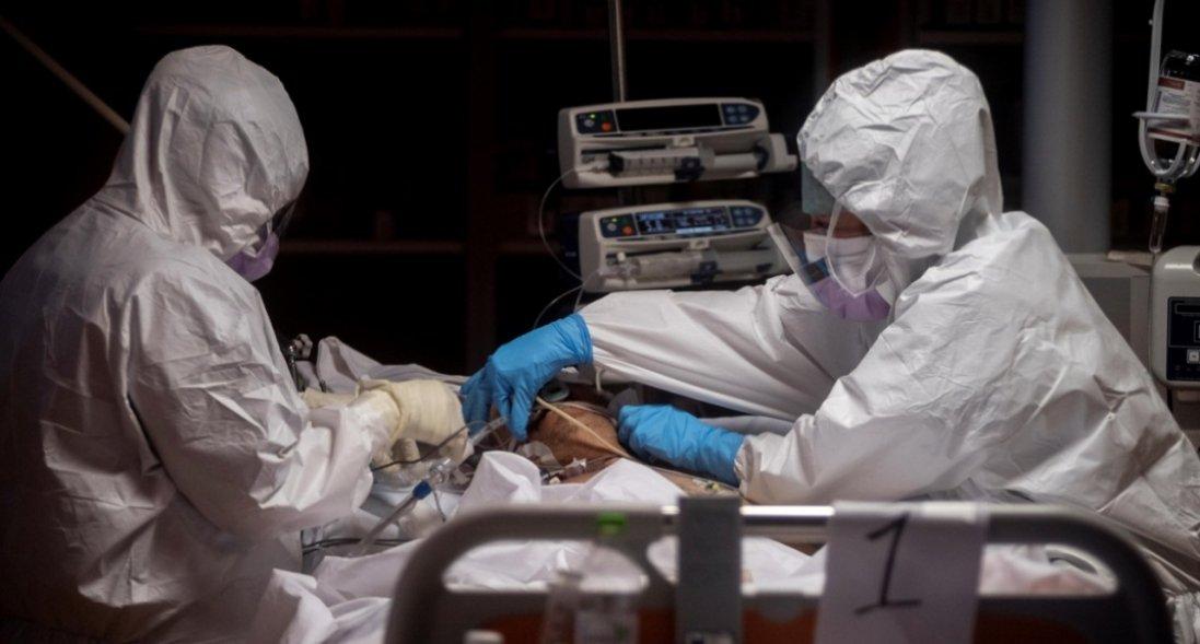 У Дніпрі врятували чоловіка, в якого було 100% ураження легенів