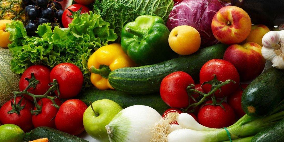 Як розпізнати фрукти і овочі з хімікатами: пояснення біотехолога