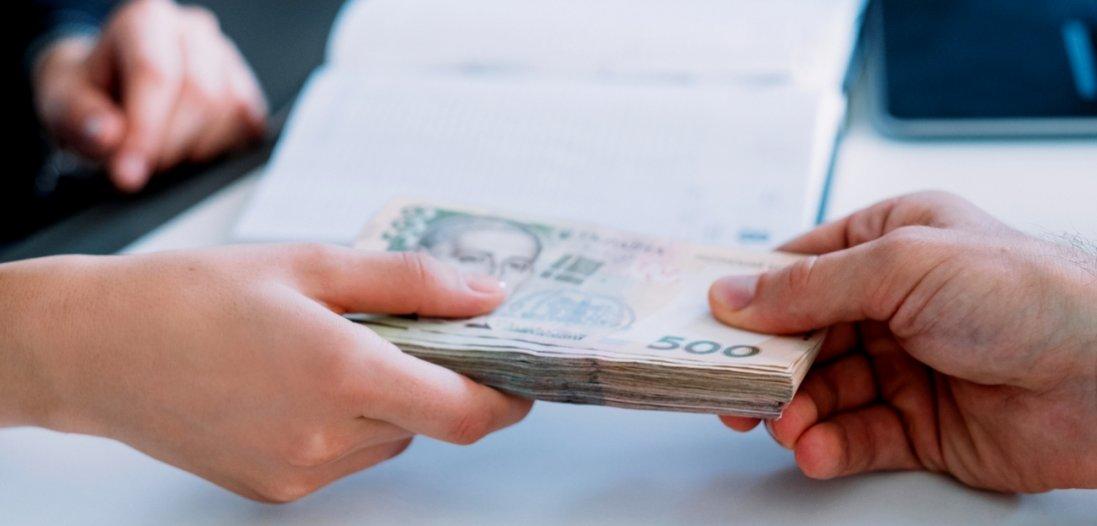 «Карантинні» 8 тисяч: Шмигаль повідомив про завершення виплат