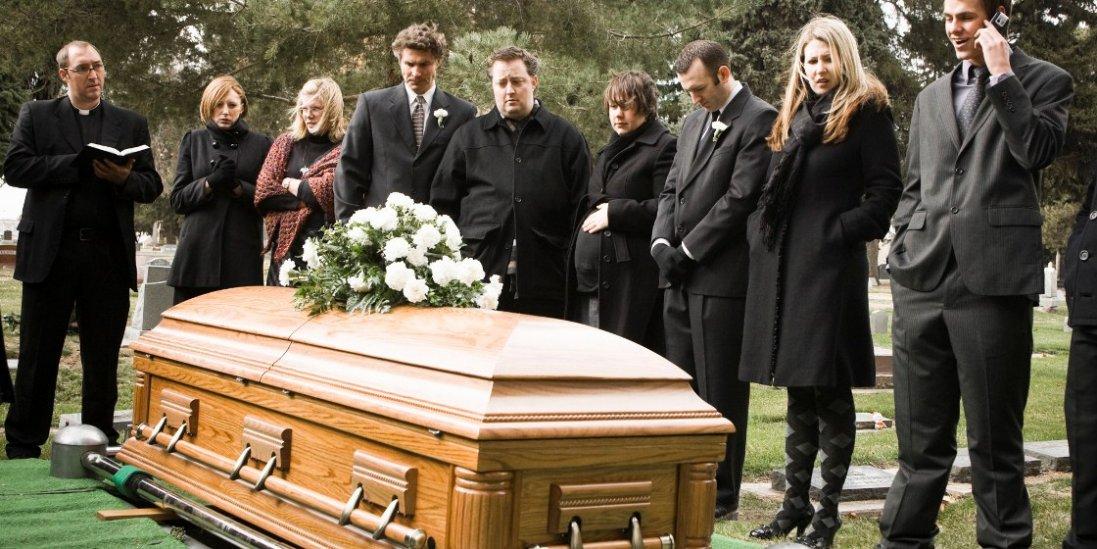 Чому нам сняться померлі і що це означає: пояснення експертів
