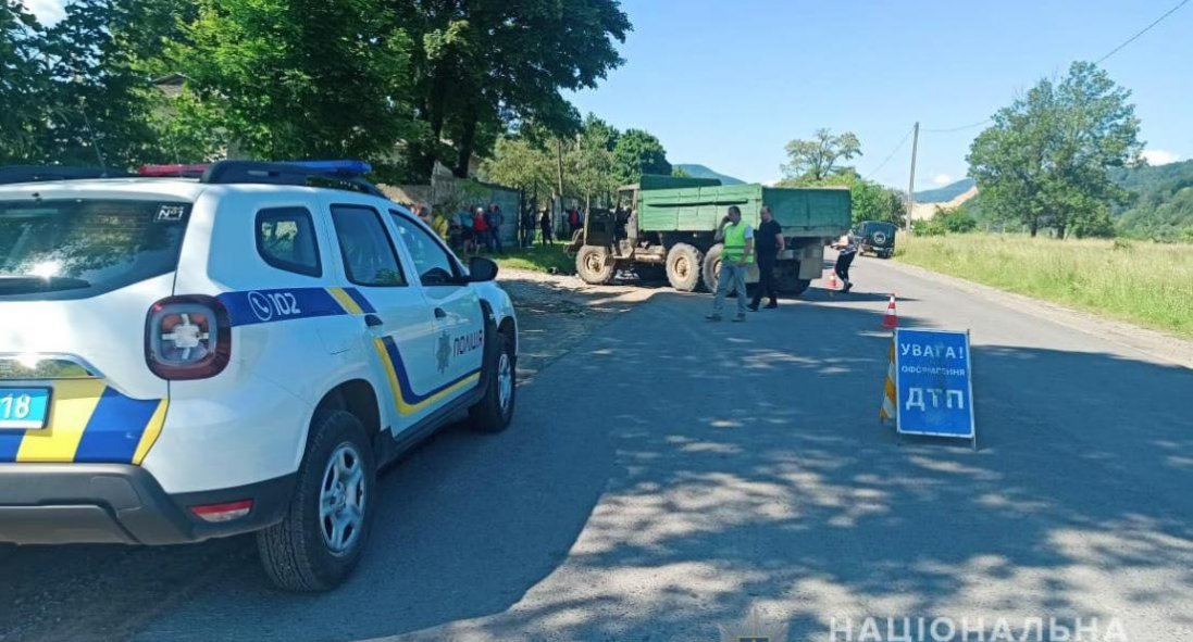 На Франківщині під колесами вантажівки загинули 18-річні хлопці