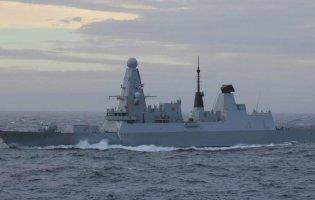 У Чорному морі російський корабель обстріляв есмінець Британії