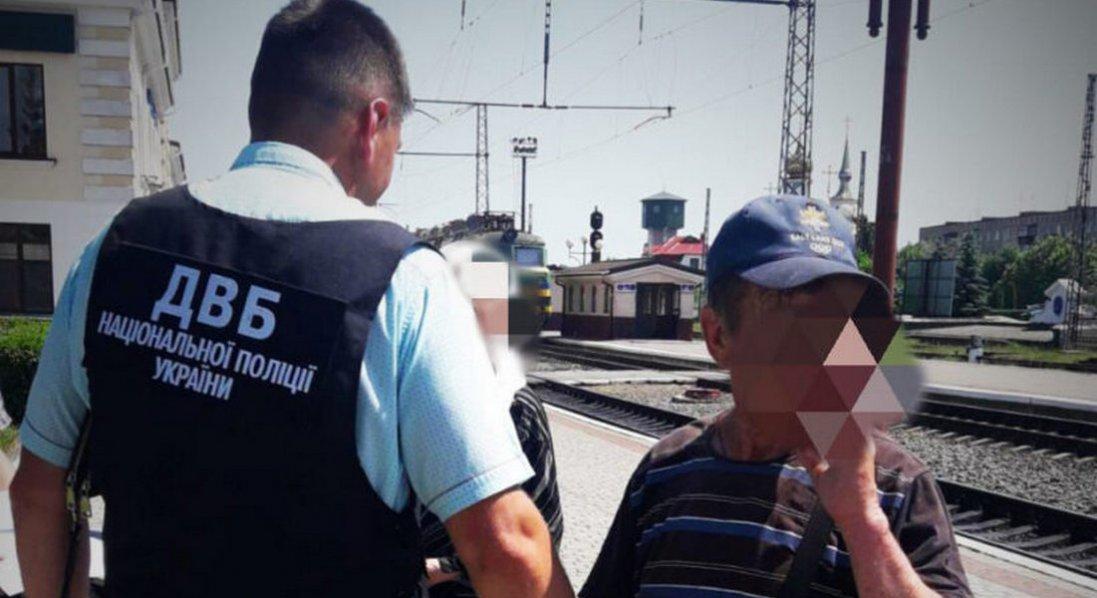 На Волині росіянин напав з ножем на поліцейського