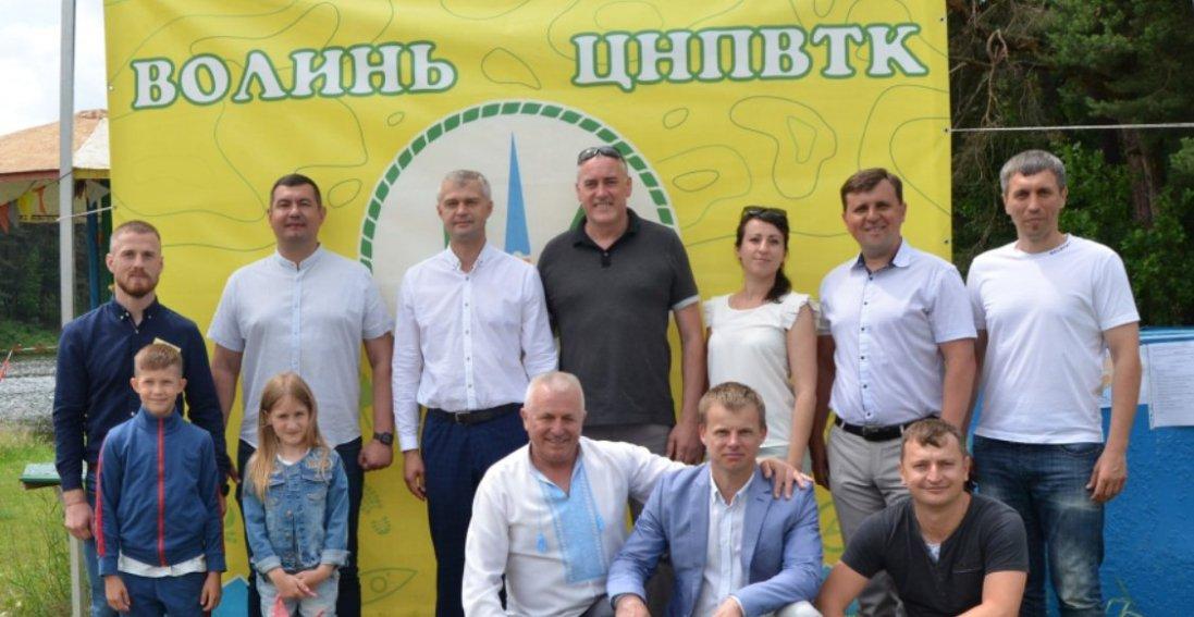 Байдарки, волейбол, квести: як відсвяткували День молоді біля Луцька