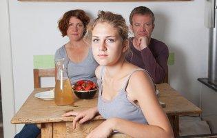 Другий шлюб матері зруйнувала рідна донька