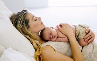 Колишня дружина Джонні Деппа стала матір'ю