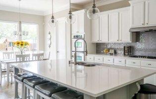 Біла кухня: всі плюси і мінуси