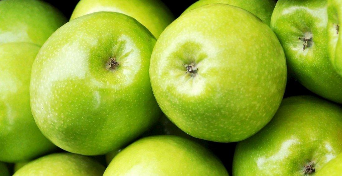 Лікарі попередили про небезпеку зелених яблук