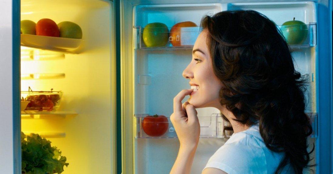 Дієтологи назвали найкращі продукти для перекусу перед сном