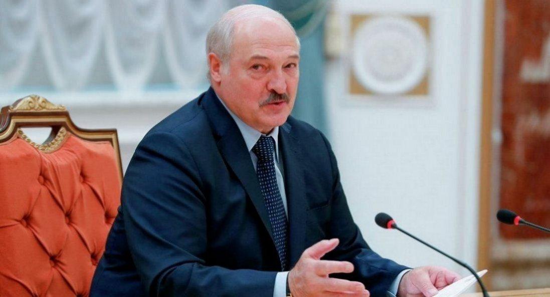 Лукашенко відмовився від частини своїх повноважень