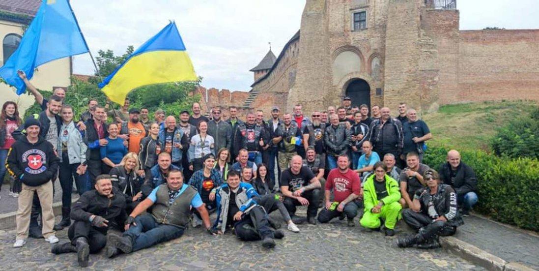 «Ті, хто славить Україну», - у Луцьку побували учасники Всеукраїнського мотопробігу єдності 2021