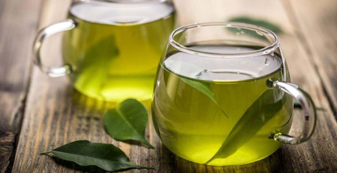 Вчені: зелений чай прибирає жир із живота