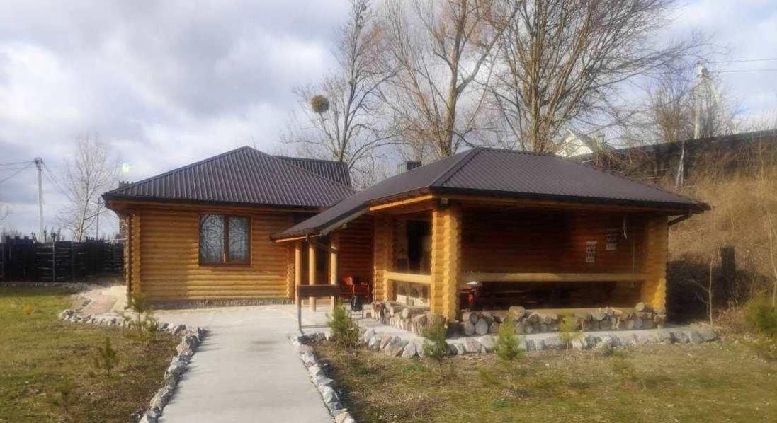 Дерев'яний будинок, піч і лазня: де відпочити поблизу Луцька