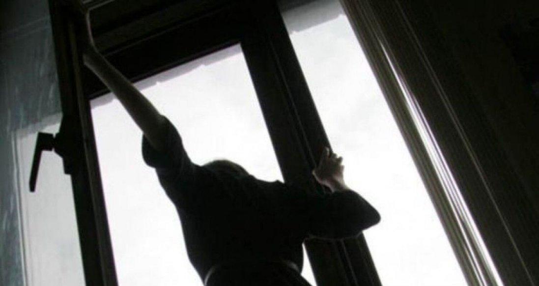 У Луцьку дівчина вчинила самогубство
