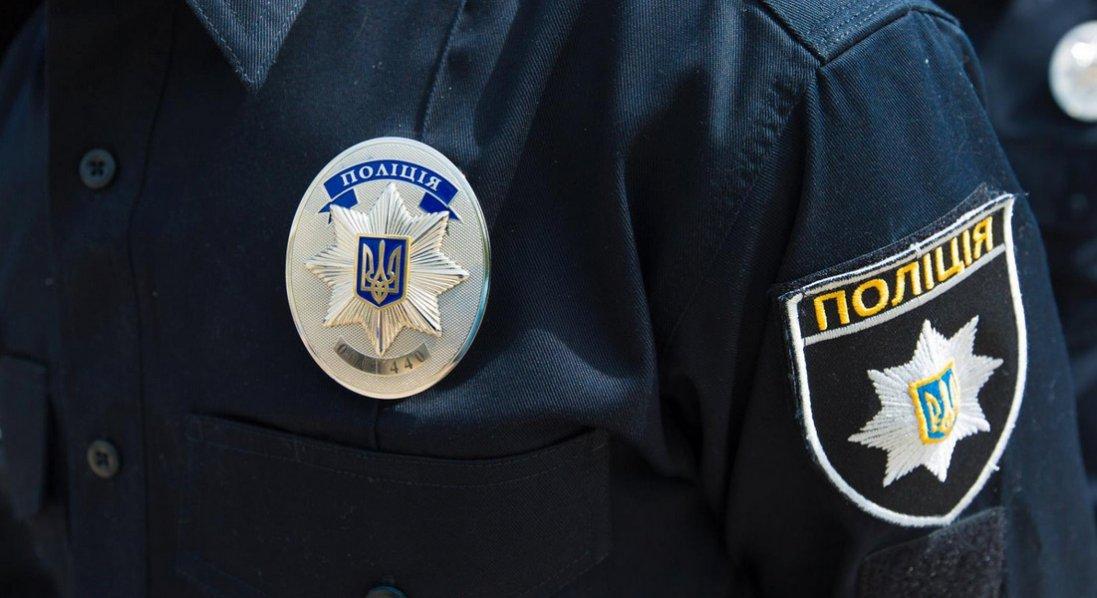 Без водійських прав та з 100 тисяч гривень і золотом: волинські поліцейські зупинили злодіїв, що діяли на Рівненщині