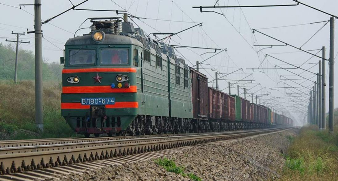 У Запоріжжі чотири вагони потяга зійшли з рейок