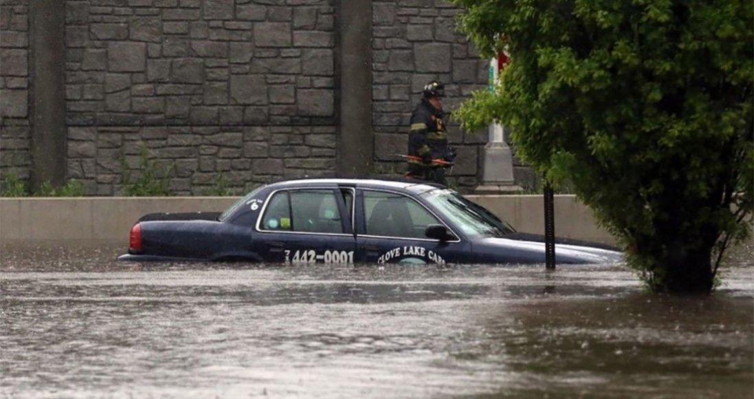 У Нью-Йорку через страшну повінь - 9 смертей: оголосили надзвичайний стан