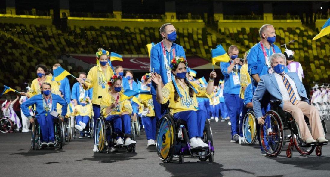 Українські спортсмени привезли 98 медалей з Паралімпіади: як їх зустрічали