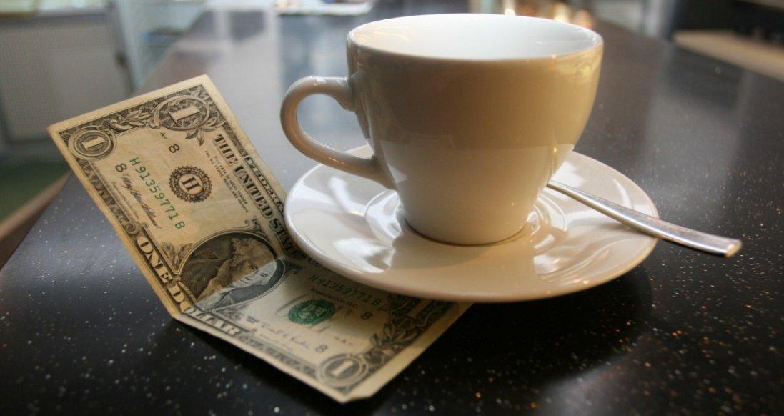 4 ситуації, в яких можна не залишати чайові в кафе
