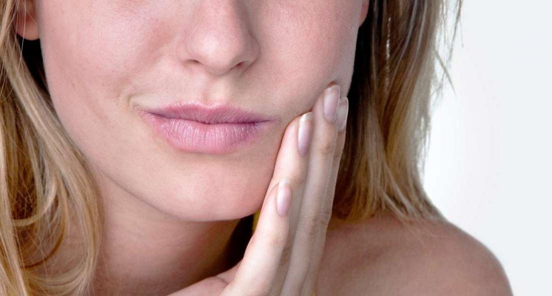 Чому виникає стоматит: 5 причин