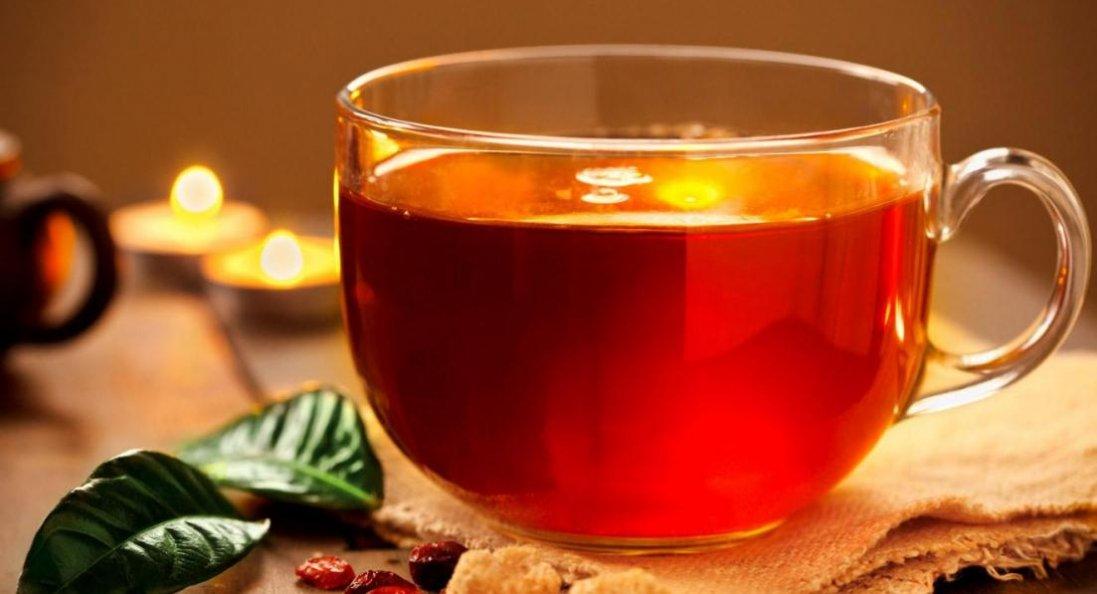 Лікарі пояснили, у чому небезпека вживання чаю